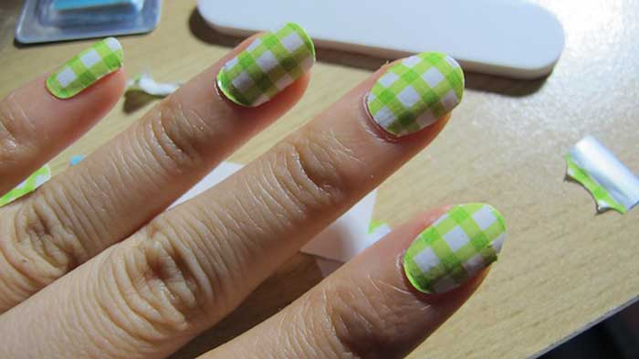 Nail Polish Strips – Best Brands, Real Salon Effects, How to Make ...