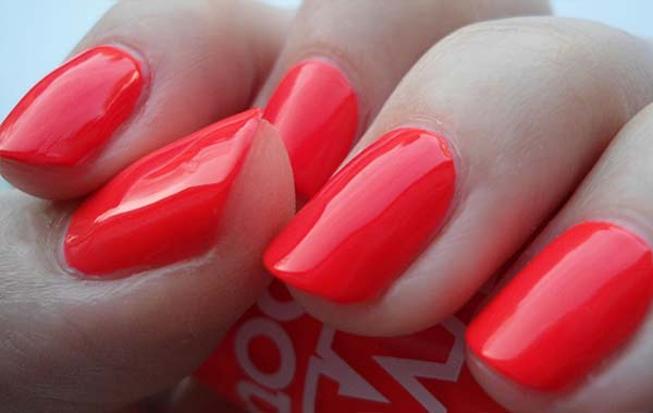 Red Nail Polish – Best Brands, Dark, Bright, Glitter, Blood, Meaning ...