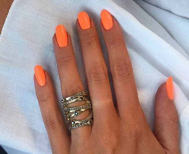 Nail Varnish For Summer Tan Skin